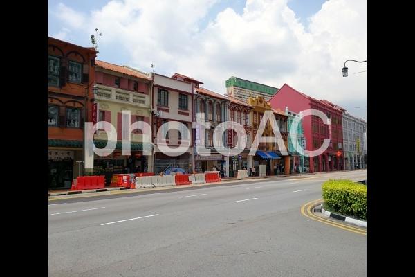 シンガポール チャイナタウン 道路の写真