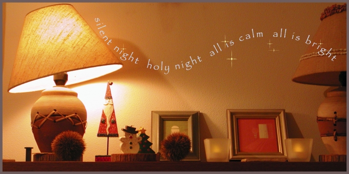 クリスマス・シーズン 棚の上の写真