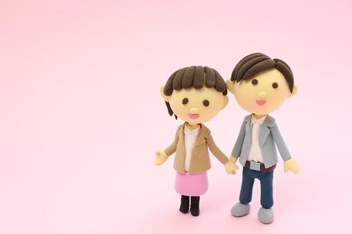 クレイ クレイアート クレイドール ねんど 粘土 クラフト 人形 アート 立体 イラスト 粘土作品 人物 笑顔 ほほえみ  女性 男性 男女 カップル 夫婦 デート  幸せ 仲良し  愛 恋  ラブ love  歩く 手をつなぐ 2人