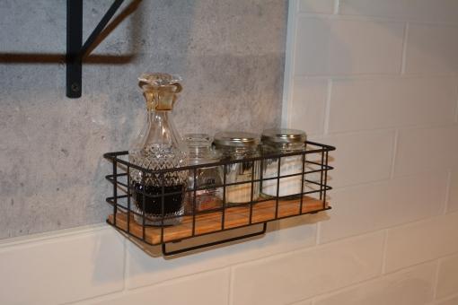 暖房器具 キッチン 調理場 リフォーム リノベーション 改装 改築 中古マンション 中古住宅 防災 炎 換気扇 食器棚 食器 棚 しょうゆ