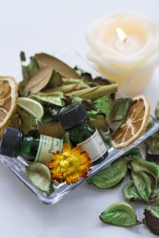 精油 アロマキャンドル ローソク 癒し ハーブ 美容 エステティック 植物 健康 ヘルスケア 芳香 リラックス ポプリ ドライハーブ アロマオイル