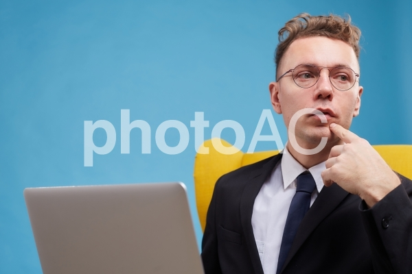 カラフルビジネスマンの写真