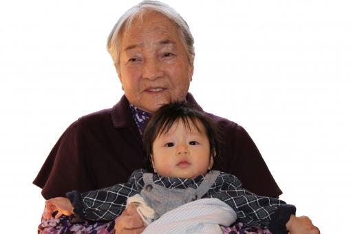 玄孫 やしゃご お婆ちゃん おばあちゃん 高齢者 老人 100才 100歳 百才 百歳 5世代 老後 幸せ 子孫 孫 曽孫 曾孫 ひ孫 白バック 幼児 子供 年寄り 長寿 福祉 介護 おばあさん お婆さん 日本人