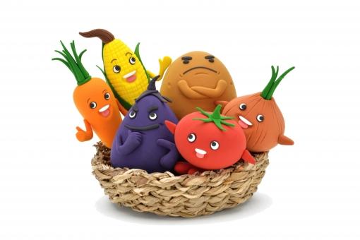 野菜 とうもろこし トウモロコシ にんじん ナス なすび じゃがいも ポテト たまねぎ トマト キャラクター 元気 健康 ビタミン ベジタブル カラフル 旬 仲良し 集合 ゆるキャラ マスコット おいしい 食べる 笑顔 栄養 楽しい 粘土 クレイ クレイドール かわいい