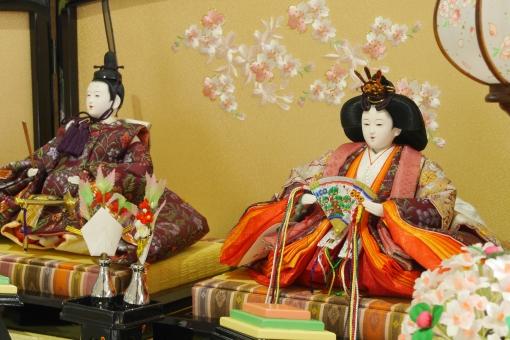 おひな様 お雛様 おひなさま ひな祭り ひなまつり 雛祭り 春 男女 ペア カップル 子供 オモチャ 玩具 飾り物 和 和風 和柄 着物 屏風 お祭り 節句 女の子 人形 ひな人形 雛人形 女雛 男雛 屏風 日本 女の子