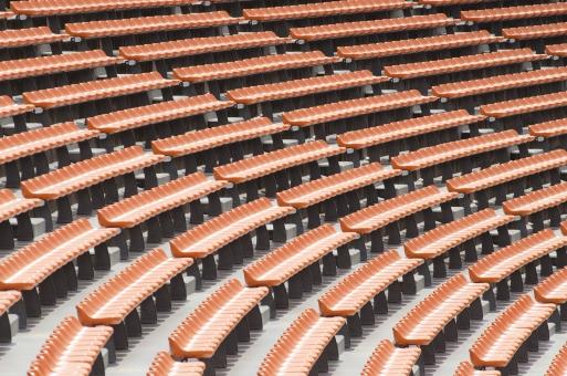 国立競技場 国立霞ヶ丘陸上競技場 観客席 スタンド 座席 シート 空席 斜面 階段 観戦 応援 スポーツ 運動 サッカー ワールドカップ ラグビー 陸上競技 コンサート スタジアム 競技場 会場 オレンジ色 並んだ 整列 デザイン 建物 建造物 建築物 施設 東京オリンピック オリンピック東京大会