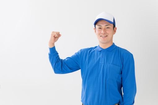 配達員の男性の写真