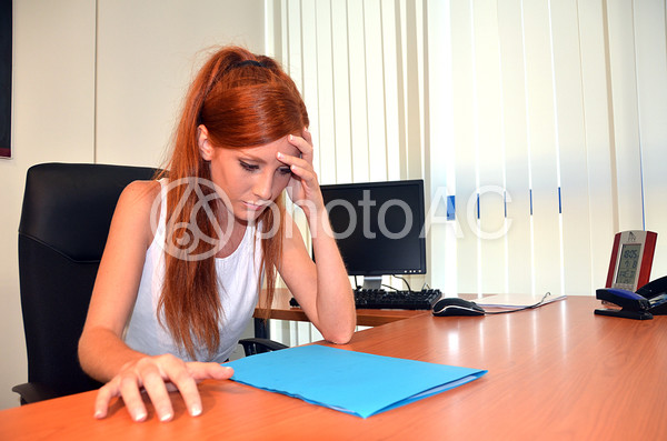 外国 仕事中の女性10の写真
