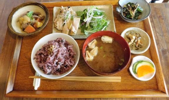 ランチ 昼食 健康 ヘルシー 五穀米 雑穀米 玄米 身体に美味しい ごはん ご飯 身体に良い