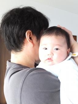 抱っこ だっこ 赤ちゃん あかちゃん 赤ん坊 ベビー ベイビー 乳児 乳幼児 子供 こども 子ども パパ お父さん 父親 イクメン 育メン 家族 父子 抱きしめる カワイイ かわいい 安心 子育て 育児 おとうさん 抱く 甘える 男の子 男性 ko