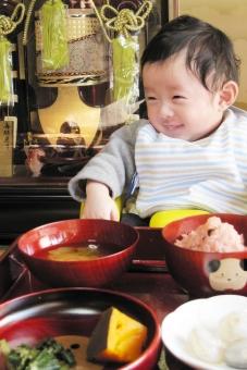 お食い初め 赤ちゃんの写真
