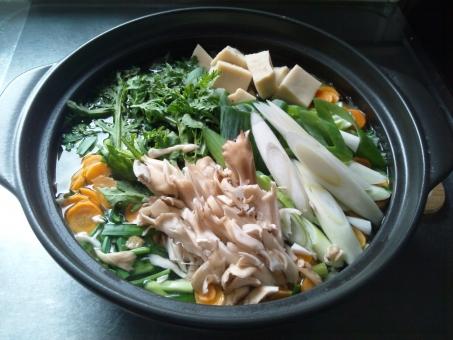 鍋料理 食欲の秋 冬の定番 寄せ鍋 温かい 温まる ホクホク 野菜たっぷり ヘルシー 健康的