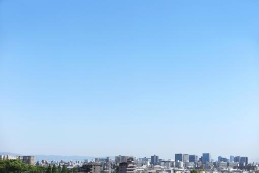 青空と街並みの写真