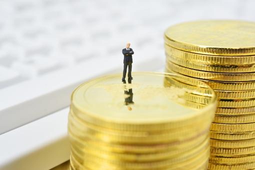 ビジネスイメージ ビジネスマンと資金の写真