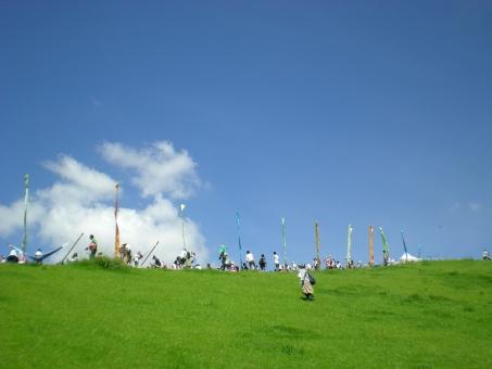 夏フェス 芝生 青空 夏 フェス 清々しい 野外フェス 野外 夏の風景 風景 景色 眺め ピクニック 緑 緑の大地 大地 音楽フェス 青い空 野外ライヴ 芝 芝と空 風物詩 夏の空 真夏 暑い夏 サマーフェス 静岡県 つま恋