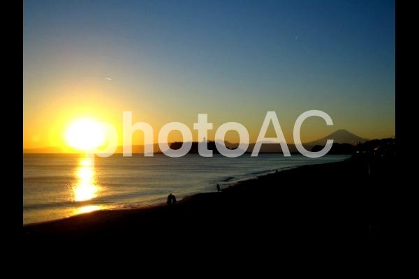 由比ガ浜 夕日の写真