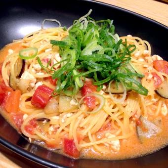 パスタ スパゲティ スパゲティー スパゲッティ スパゲッティー トマト なす とまと ナス 葱 ねぎ ネギ スープ スープスパ スープスパゲティ トマトクリーム クリームパスタ ランチ 食事 カフェ レストラン おいしい 麺類 麺