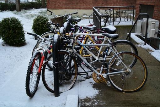 駐輪場 マナー 雪 自転車 寒 冬 ボストン アメリカ 合衆国 Boston US bike チャリ 都会 街 町