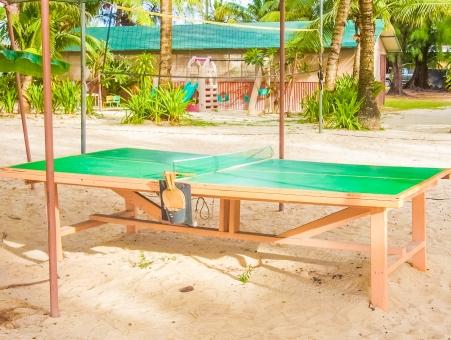 海辺 ビーチ 卓球台 スポーツ ピンポン 砂浜 木陰 遊具 子供 大人 グアム 海の家 外 小屋
