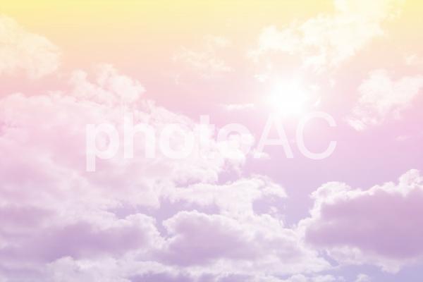 パステルグラデーションの空の写真