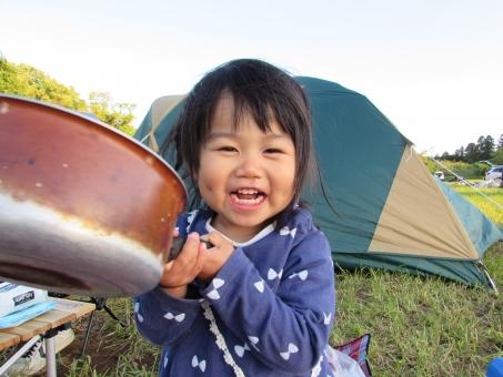 テント キャンプ オートキャンプ キャンプ場 バーベキュー bbq アウトドア 女の子 子ども こども キッズ 赤ちゃん 料理 クッキング