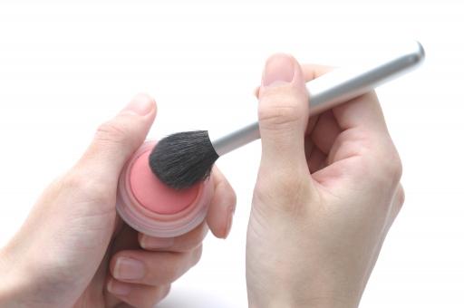 チーク 化粧 コスメ 美容 メイク メイクアップ 美容師 美容室 おしゃれ オシャレ 女性 美容院