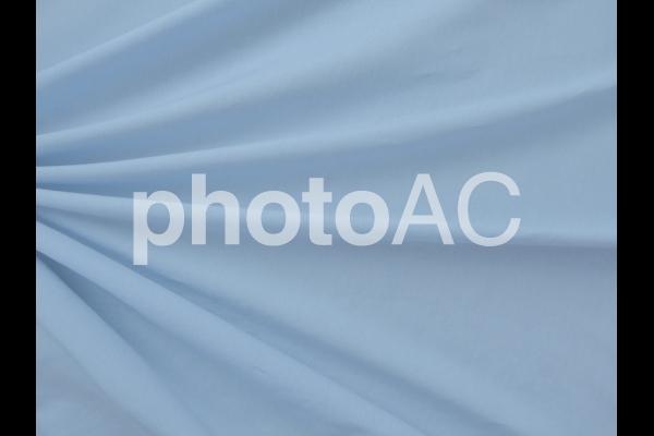 水色の布のドレープ 1の写真