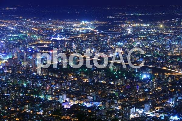 夜景 藻岩山から見る豊平川の写真