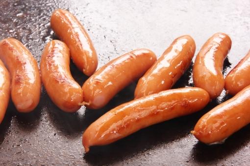 ウインナー ソーセージ 鉄板焼き バーベーキュー BBQ bbq 肉 カロリー レシピ 炒める 焼く 油 料理 調理 アウトドア 子供 子ども 人気 定番 焦げ目 素材 背景 背景素材 イメージ ポーク 豚肉 食材 材料 食べ物 火を通す