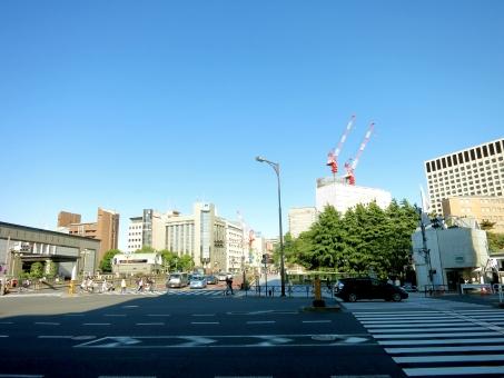 東京 tokyo 16 yotsuya jr 会社 都会 ビジネス オフィス 学校 高層ビル マンション 青空 休日 駅 総武線