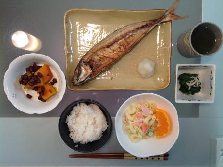 老人食 健康食 バランス食 夕食 食事 魚 さかな ご飯 管理栄養士 調理師 献立 メニュー 配膳 和食 病院 表 計算 厨房 レシピ