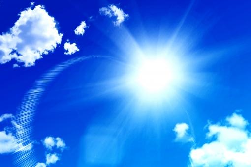 真夏の太陽 炎天下の写真