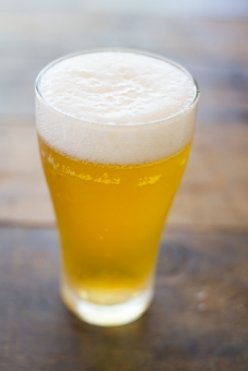 ビール びーる 麦酒 アルコール お酒 酒 さけ むぎ 麦 泡 飲み物 beer クラフト麦酒 クラフトビール 酔う 飲み会