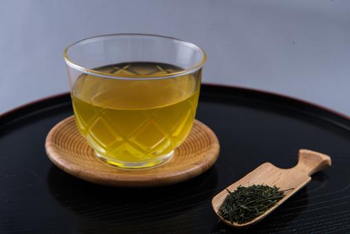 お茶 日本茶 緑茶 煎茶 冷茶 茶葉 健康 美容 食材 飲み物 和 日本 農産物 作物 収穫 乾燥 ドライ 静岡 休憩 茶碗 湯のみ ガラス お盆 茶さじ 茶道