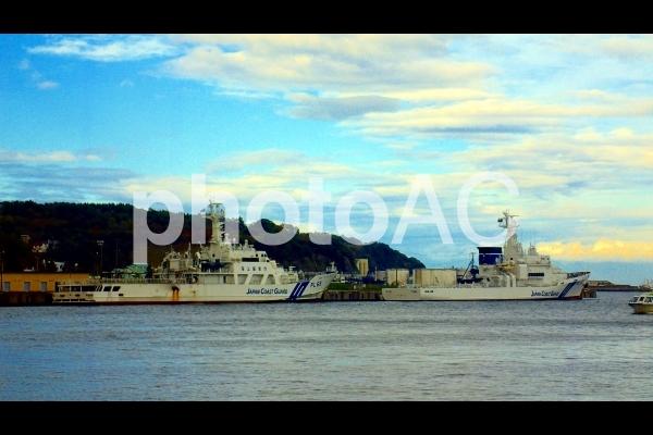 「PL-65 巡視船しれとこ」と「PL-12 巡視船えさん」の写真