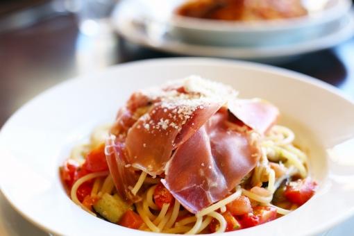 イタリアン イタリア料理 パスタ スパゲッティ スパゲティ 生ハム トマト カフェごはん カフェご飯 カフェ レストラン 食事