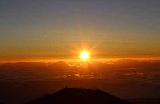 自然 風景 ハワイ 太陽 朝日 雲海 ハワイ島 マウナケア 朝陽 サンライズ ご来光 日の出