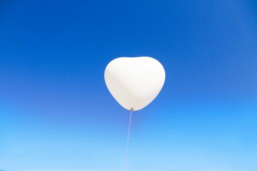 白い風船の写真