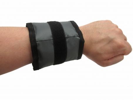 【Apple】腕時計端末に高速通信搭載 アップル、年内発売へ 腕時計から直接ネットに接続 [無断転載禁止]©2ch.net->画像>4枚