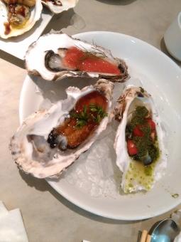 牡蠣 オイスター 焼牡蠣 セレブ 金持ち リタイア リタイヤ リッチ セミリタイア セミリタイヤ 和食 イタリアン フレンチ 海鮮 魚介 おいしい oyster 岩牡蠣 deshuitre celeb groume rich 殻つき