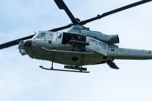ヘリコプター 米軍 軍用ヘリ 空 軍隊 兵隊 戦争 沖縄 海軍 戦い ヘリ 輸送機 嘉手納基地 日本 飛ぶ ホバリング