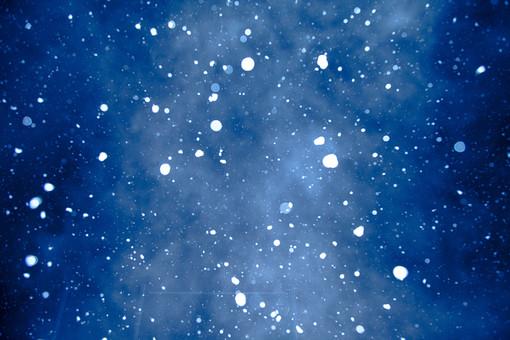 風景 町並み 自然 スケッチ イメージ 背景 影 光 置く 癒し クリスマス 冬 季節 シーズン ムード 雰囲気 演出 かわいい 美しい きれい デート 寒い 夜景 雪 降る 天気 ホワイトクリスマス 空