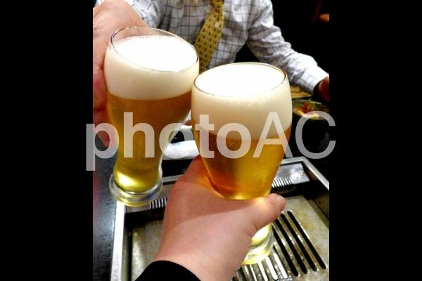 生ビール 乾杯の写真