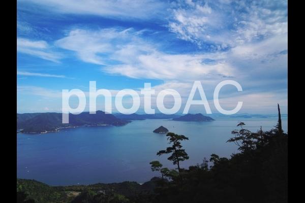 青空の瀬戸内海の写真