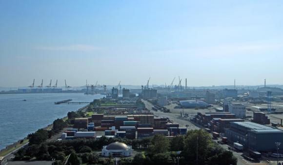 貨物倉庫の写真