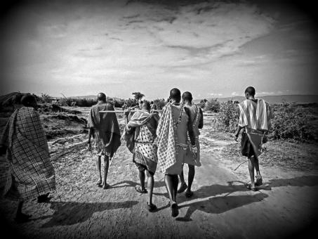 アフリカ ケニア モノクロ マサイ 戦士 道 自然 野生 民族 海外 外国