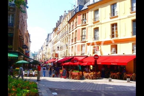 フランスの街並みの写真