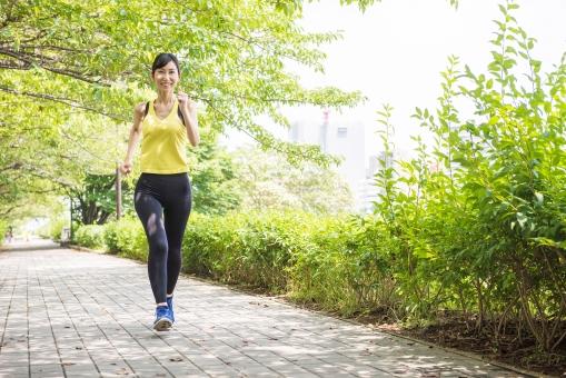 ジョギングする女性9の写真