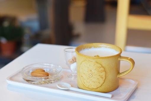 ミルクティーでカフェタイムの写真