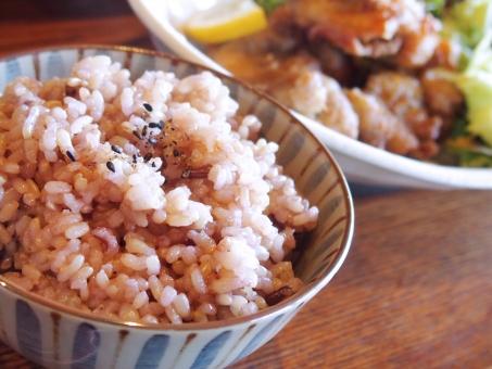 玄米 ごはん 健康 ヘルシー 栄養 ミネラル 麦 雑穀米 ご飯 健康食 十六穀米 食べ物 主食 昼食 美容 和食